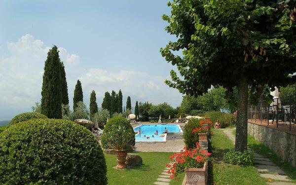 La Piazza Di San Donato, Residence for rent in San Donato Fronzano, Tuscany