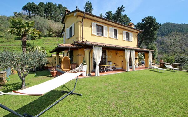 Il Sole, Villa for rent in Strettoia, Tuscany