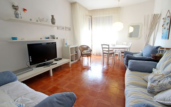 Profumo Di Mare, Holiday Apartment for rent in Marina Dei Ronchi, Tuscany