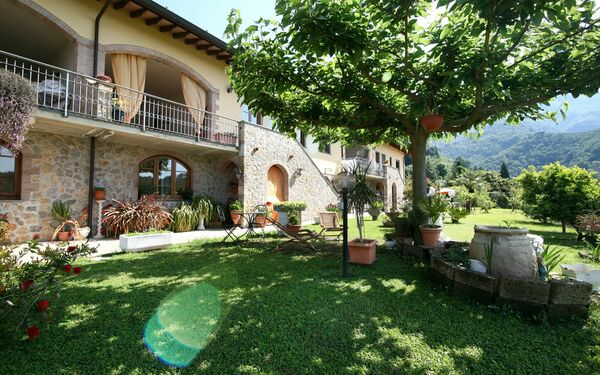 Casa Vado, Holiday Apartment for rent in Camaiore, Tuscany