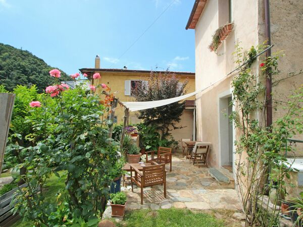 Casina Dei Limoni, Country House for rent in Capanne-prato-cinquale, Tuscany