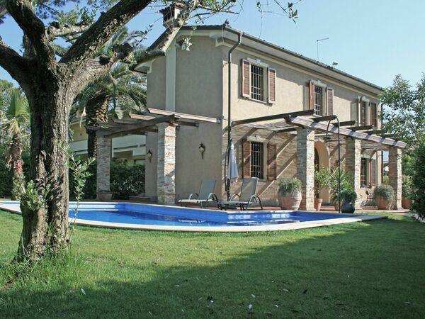 Robert's Villa, Villa for rent in Forte Dei Marmi, Tuscany