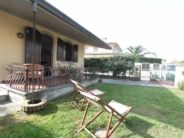 Villa Dea, Villa for rent in Forte Dei Marmi, Tuscany