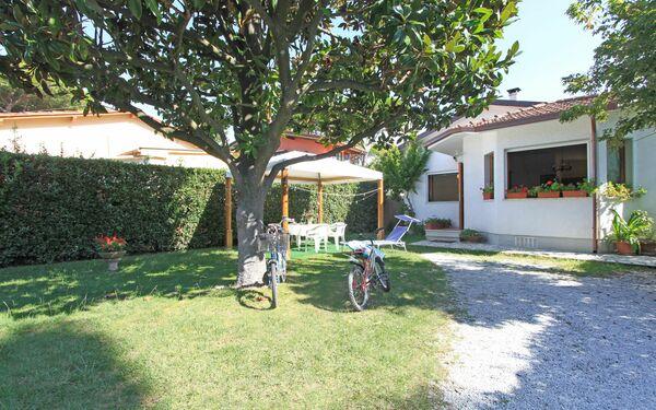 Villa Villa Sandra in affitto a Forte Dei Marmi
