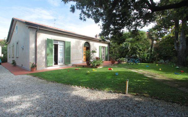 Villa Villa Clara in affitto a Forte Dei Marmi