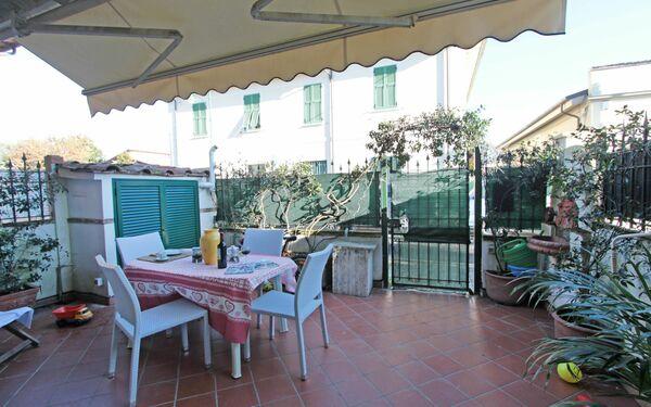 Villa Il Gelso, Villa for rent in Forte Dei Marmi, Tuscany