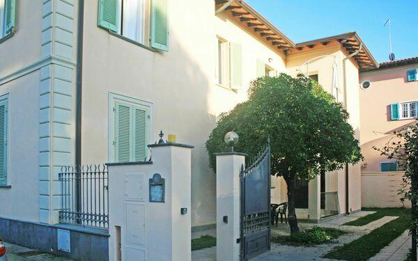 Villa Di Milan, Villa for rent in Forte Dei Marmi, Tuscany
