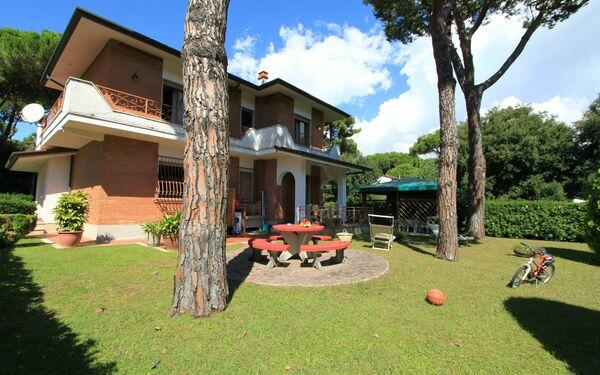 Villa Della Marcellana, Villa for rent in Forte Dei Marmi, Tuscany