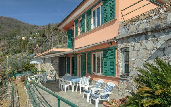 Villa Pia Con Piscina a Recco, Liguria, Recco