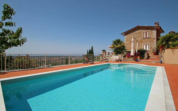 Villa Carla, Villa for rent in Strettoia, Tuscany