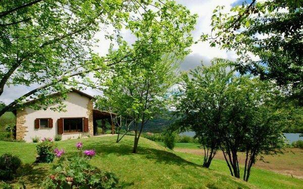 Villa Sul Lago, Villa for rent in San Venanzo, The Marches