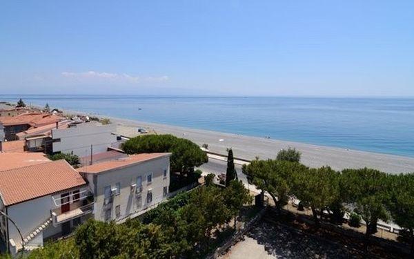 Case Vacanza Alega Mare, Holiday Home for rent in Nizza Di Sicilia, Sicily