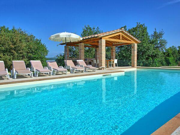 Villa Giacomo, Villa for rent in Castiglion Fiorentino, Tuscany