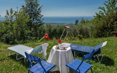 L'olivo Sul Mare: Garten mit Meer-Panorama