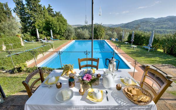 Villa Dorella Di Montaperti, Villa for rent in Volterra, Tuscany