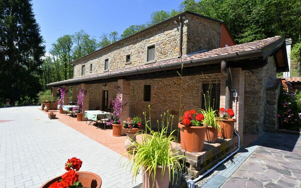 Villa Di Bubbiana, Villa for rent in Vellano, Tuscany