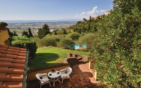 Il Frantoio, Villa for rent in Mommio Castello, Tuscany