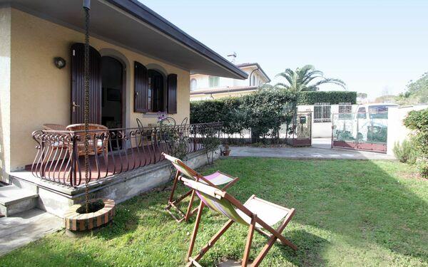 Villa Terrazzo, Villa for rent in Forte Dei Marmi, Tuscany