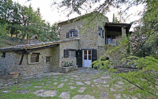 Villa Villa Del Castagno in affitto a Il Castagno