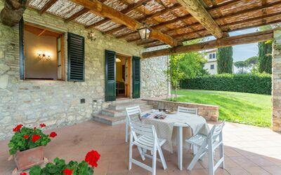 Montignana Apartments