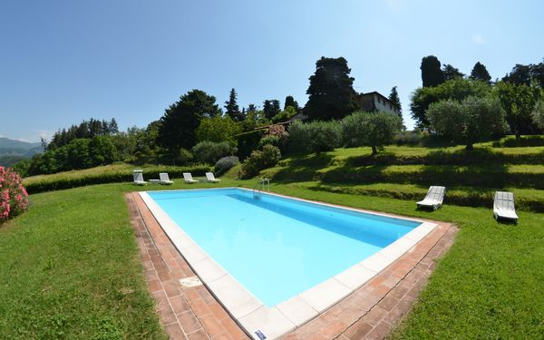 Alle Monache, Villa for rent in Castagnori, Tuscany