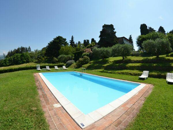 Alle Monache, Villa for rent in Castagnori, Tuscany