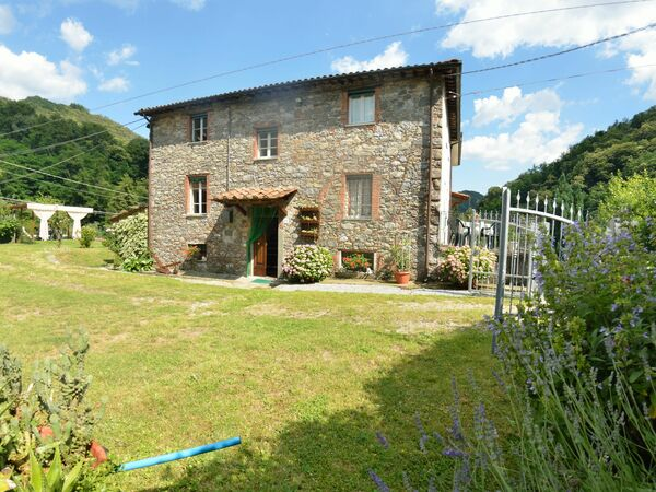 Casa Irene, Country House for rent in Pescaglia, Tuscany