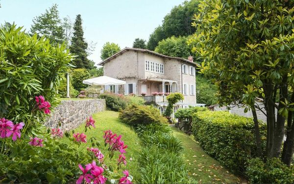 Villa Capriglia, Villa for rent in Pietrasanta, Tuscany