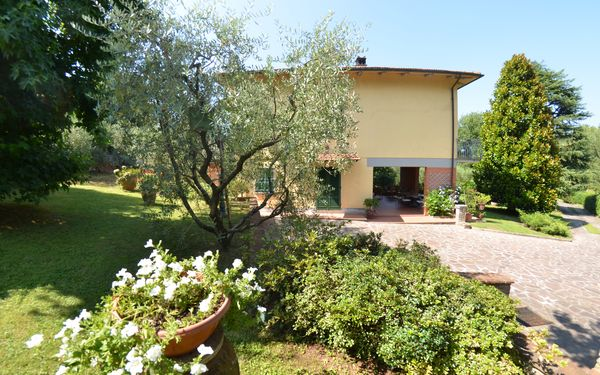 Villa Le Querce, Villa for rent in Capannori, Tuscany