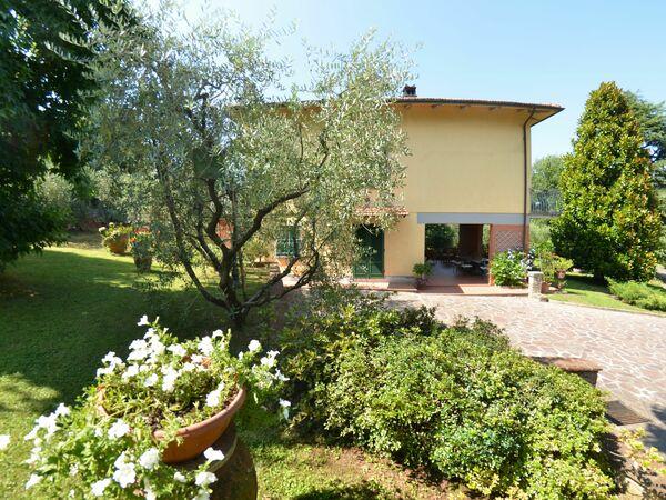 Villa Le Querce, Villa for rent in Capannori, Tuscany