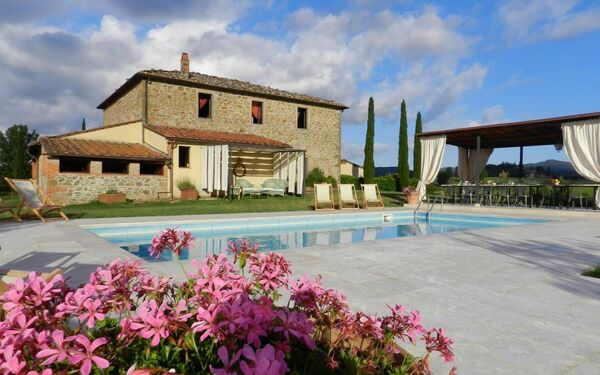 Villa Felciai, Villa for rent in Montebenichi, Tuscany