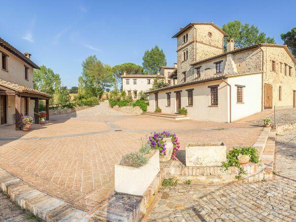 Umbrie, Montone, Pulciano Apartments