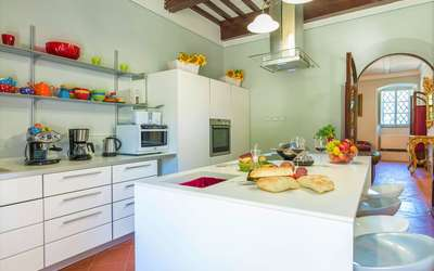 Villa Ivana: Modern kitchen