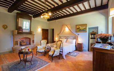 Villa Ivana: Biggest bedroom with fireplace