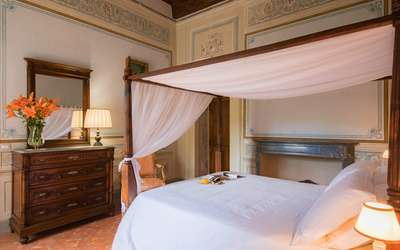 Villa Ivana: Frescoed bedroom