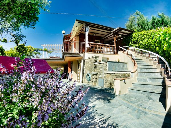 Chalet Del Colle, Holiday Home for rent in Corsanico-bargecchia, Tuscany