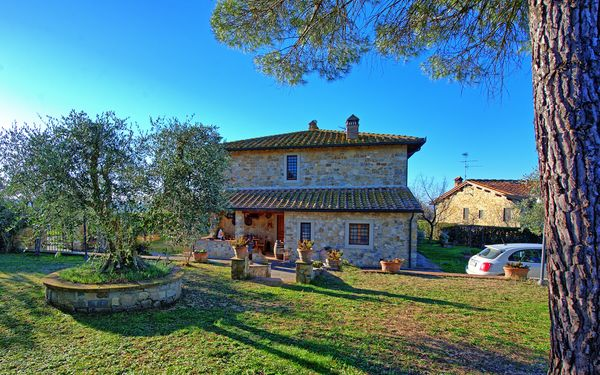 Casa Enrico, Apartment for rent in Tignano, Tuscany