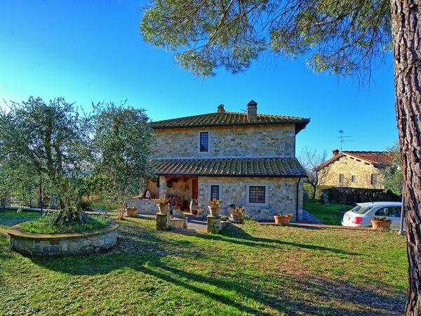 Casa Enrico, Apartment for rent in Tignano, Tuscany