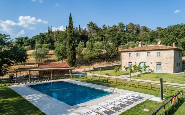 Villa Mezzavia, Villa for rent in Fonte Del Mazza, Tuscany
