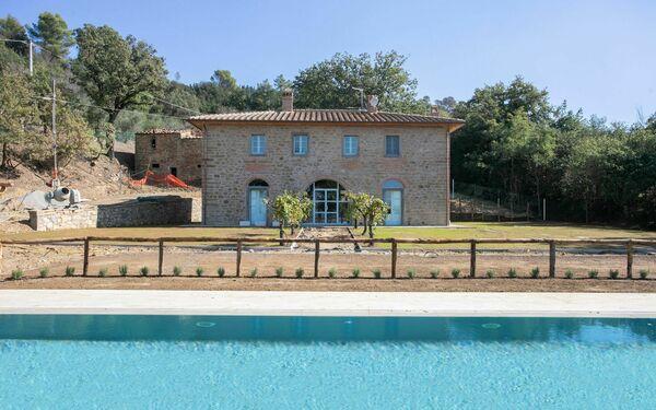 Villa Mezzavia, Villa for rent in Fonte Del Mazza, Tuscany