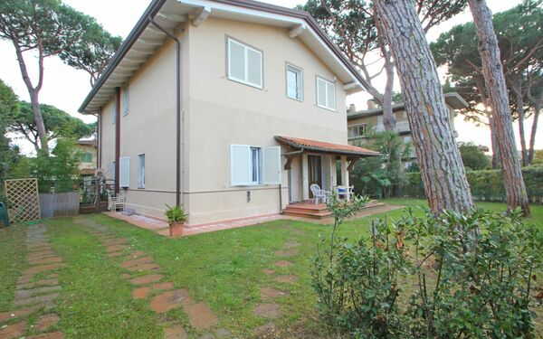 La Brescianella, Holiday Apartment for rent in Capanne-prato-cinquale, Tuscany