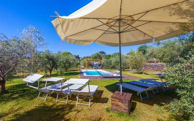 Villa Karen: with private pool