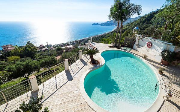 La Luce, Villa for rent in Letojanni, Sicily