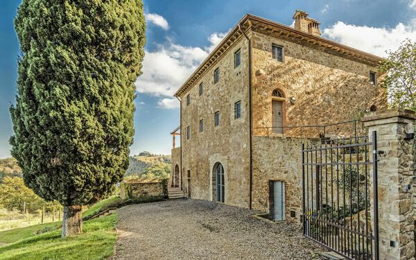 Villa Falecine, Villa for rent in Castelfalfi, Tuscany