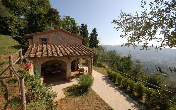 Fragoletta, Country House for rent in Camaiore, Tuscany