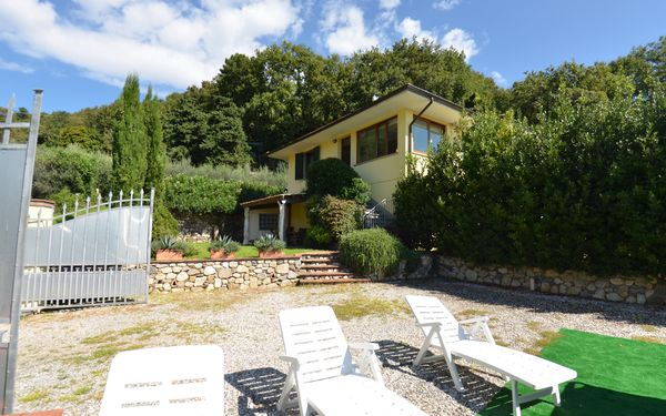 Alloro, Villa for rent in Fiano, Tuscany