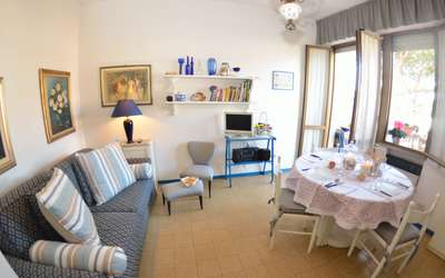 Nice Apartment Delfino 300 Mt From The Sea