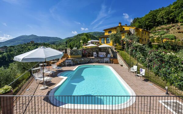 Villa Solaria, Villa for rent in Cantagrillo, Tuscany