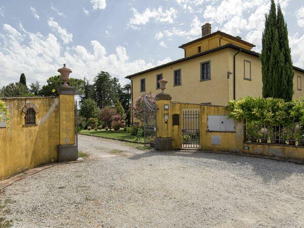 Villa Caterina, Villa for rent in Fratta-santa Caterina, Tuscany