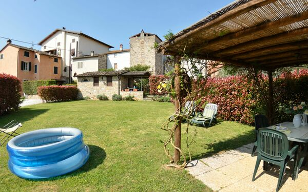 Alda, Apartment for rent in Colle Di Compito, Tuscany